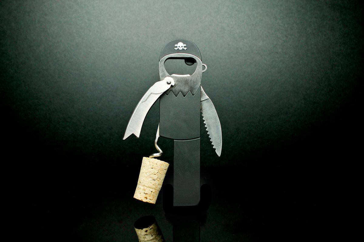 28680_leglesscorkscrew-onblack-005