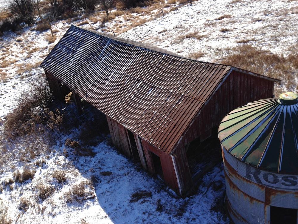 barn-with-silo