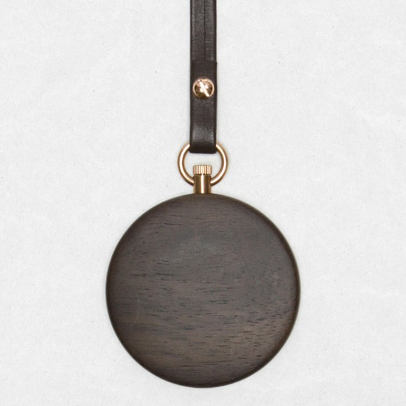 mmt-calendar-walnut-back-watch