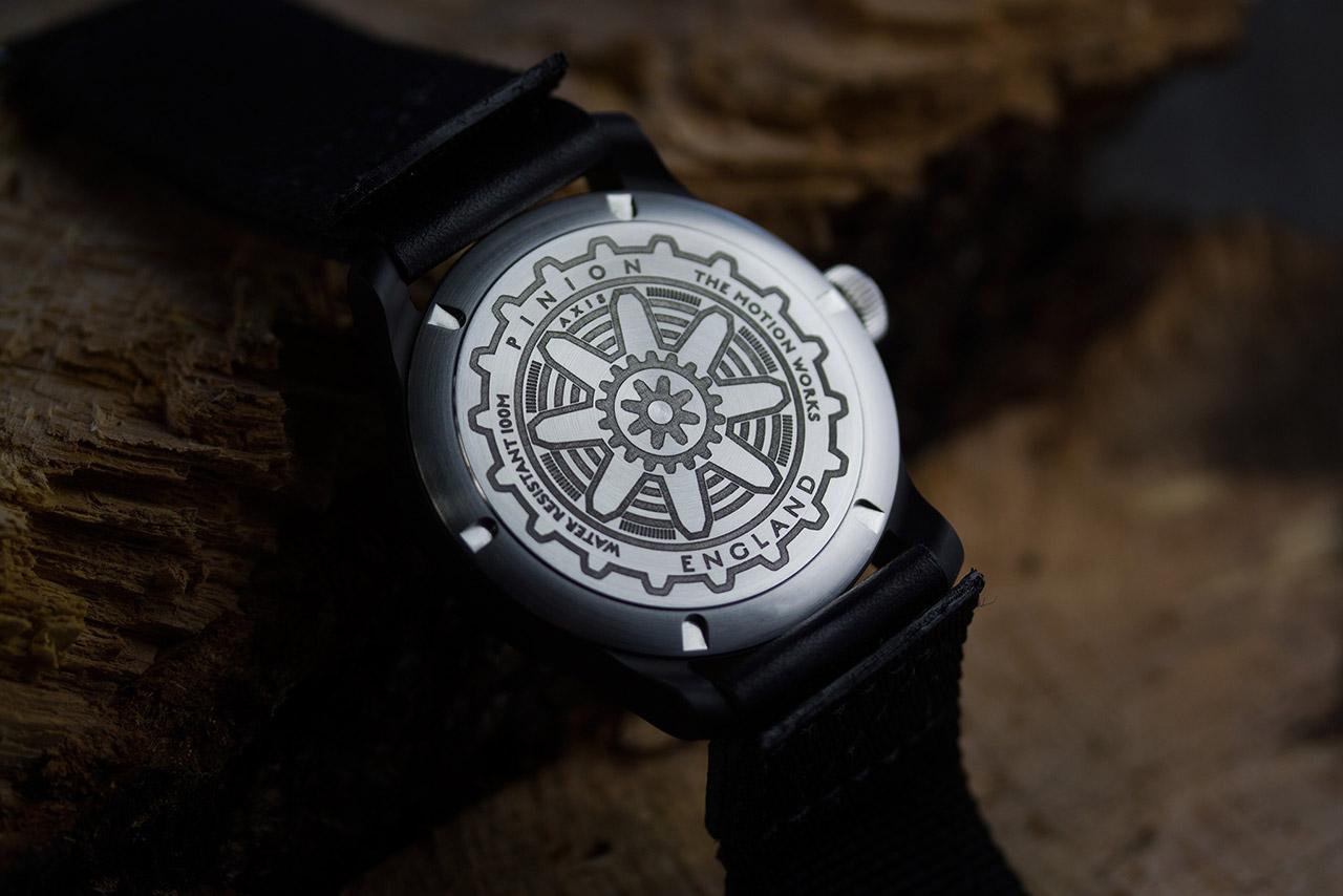 pinion-axis-black-watch-002