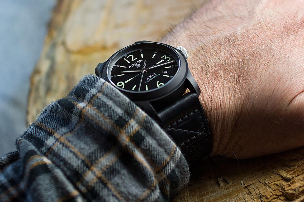 pinion-axis-black-watch-wrist