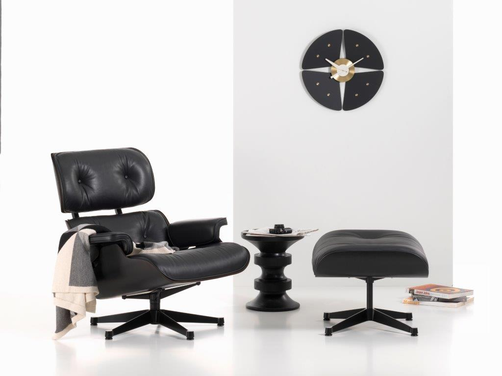 vitra_lounge_chair_black_clock