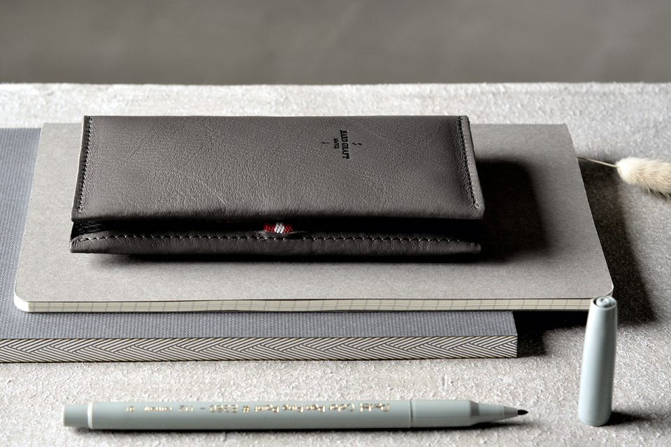 hard-graft-iphone-6-and-iphone-6-plus-accessories-collection-03-960x640