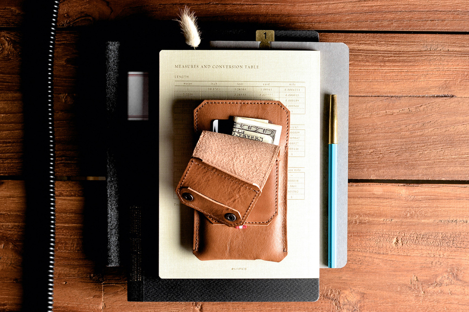hard-graft-iphone-6-and-iphone-6-plus-accessories-collection-04-960x640
