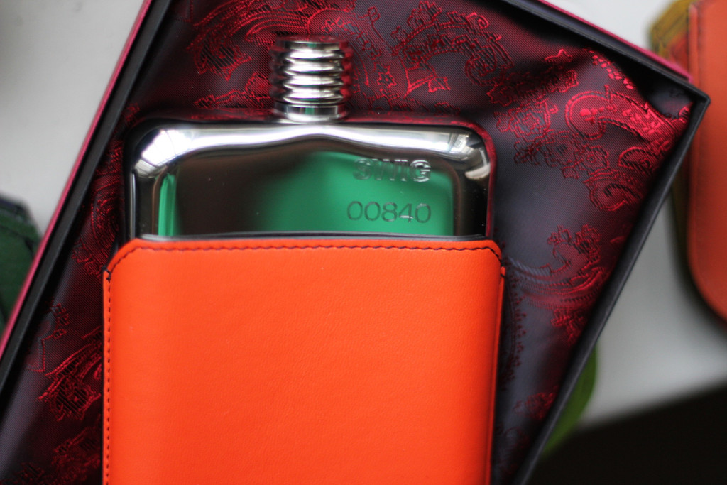 SWIG_Hip_Flask_Executive_Orange_Executive_Pouch_4_1024x1024