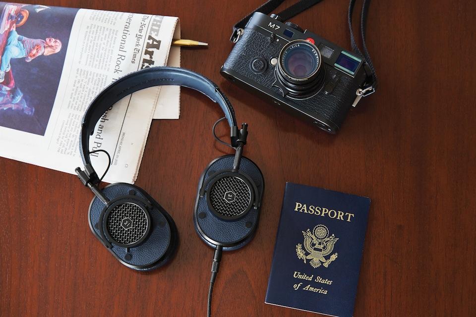 201504_MH40B4_PassportLeica_01