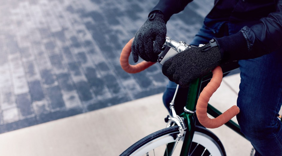 Double-Layered-Touchscreen-Gloves-Fixed-Gear-007-941x519