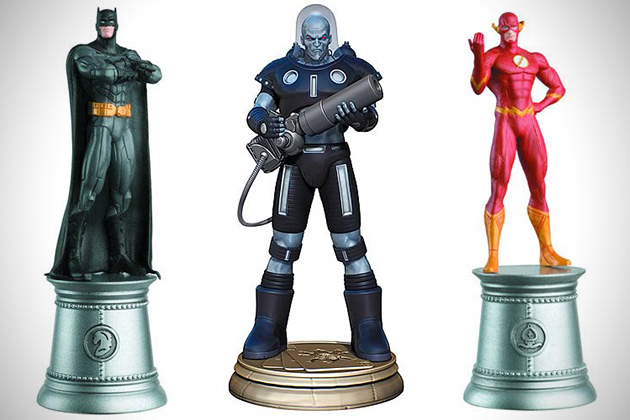 Marvel-vs-DC-Superhero-Chess-Pieces-3