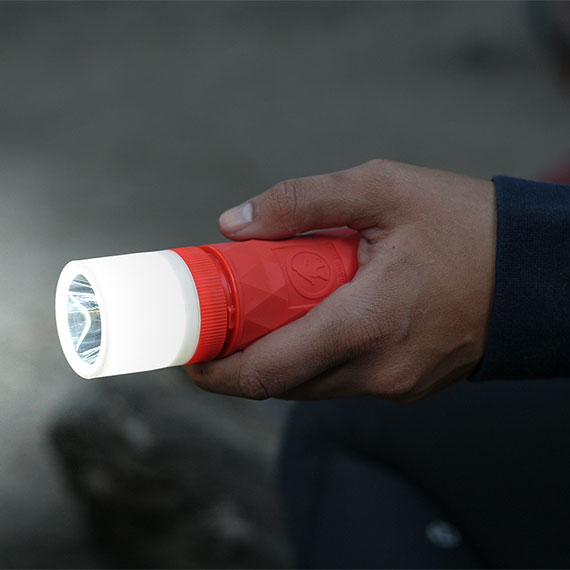 buckshot-pro-portable-speaker-flashlight-570x570