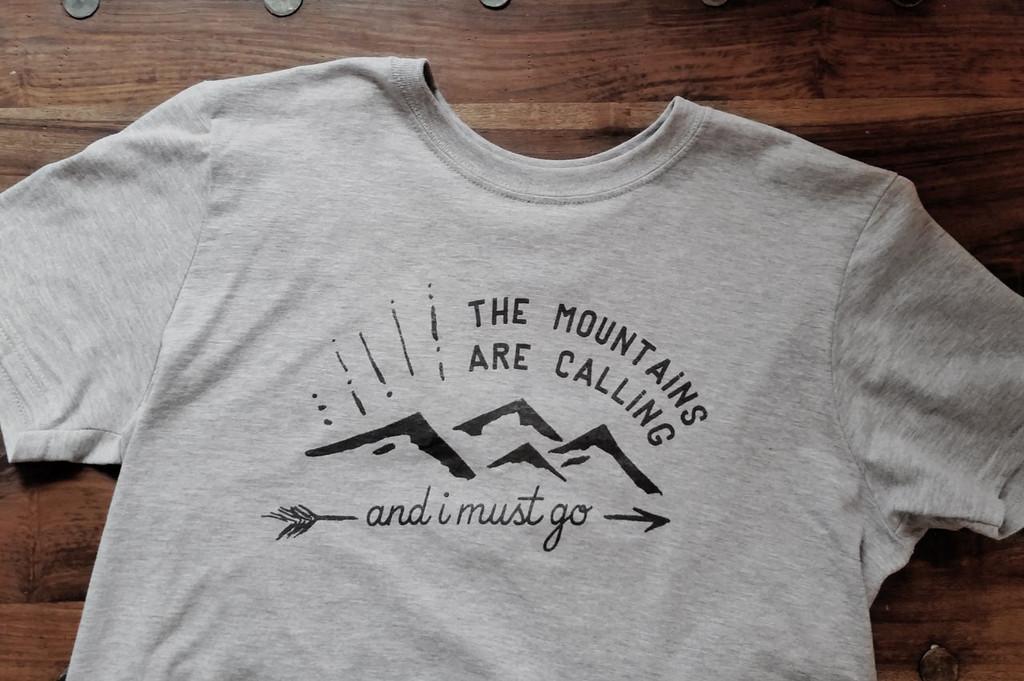 mountains-calling-tshirt-03_1024x1024