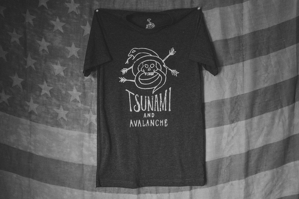 tsunami_and_avalanche_black2