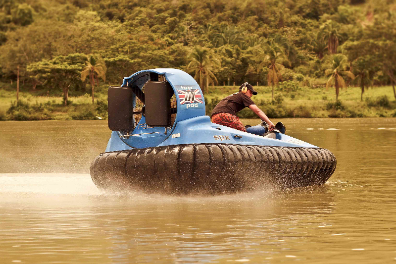 hovercraft-on-water-2