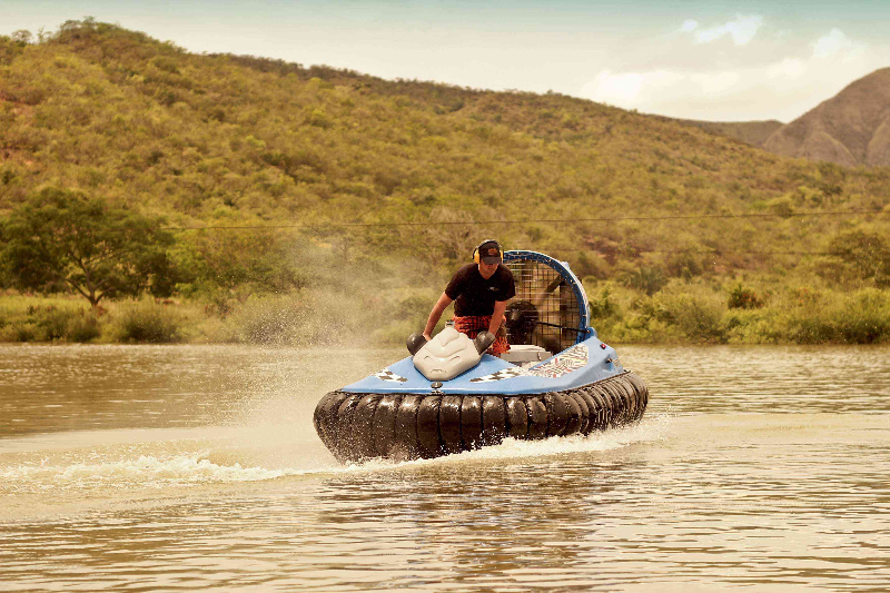 hovercraft-on-water-4