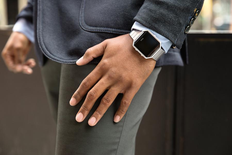 Fitbit-Blaze_Lifestyle-2_RGB_HI