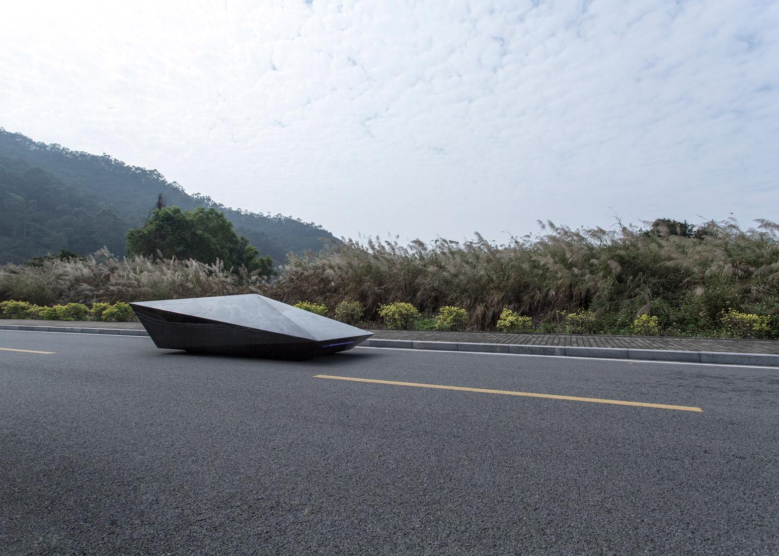 Lo-Res-car-concept_United-Nude_Lamborghini_dezeen_1568_1