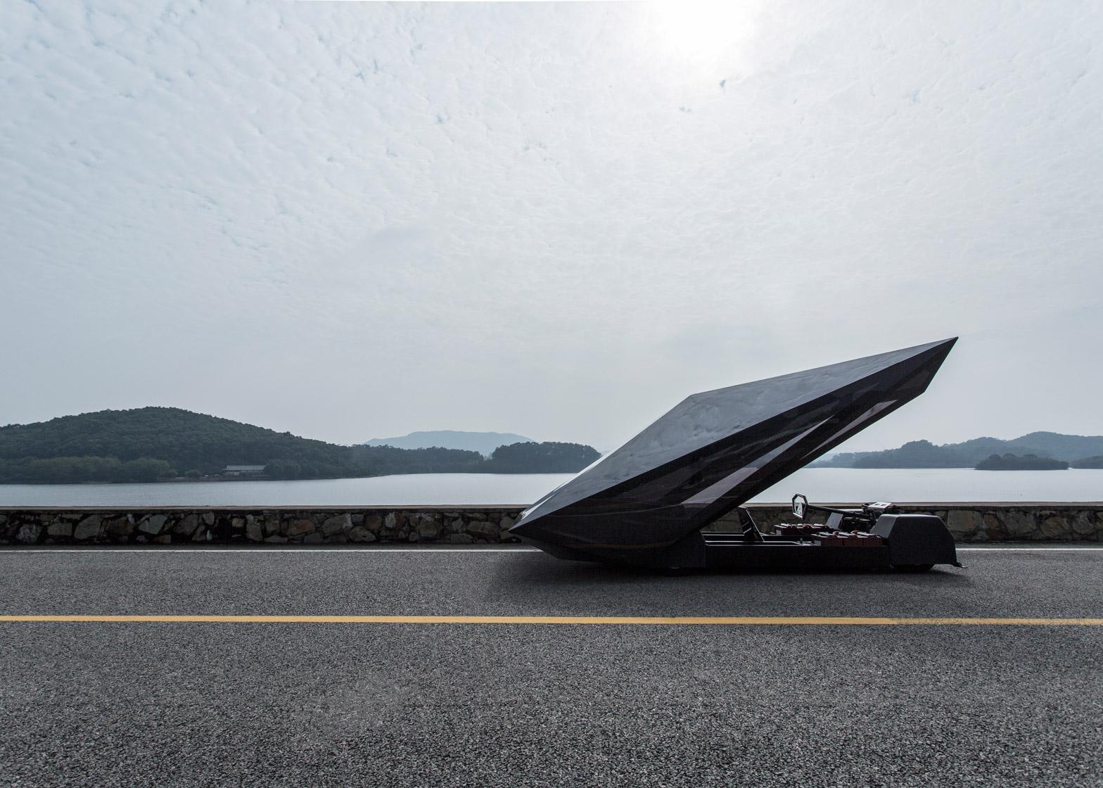 Lo-Res-car-concept_United-Nude_Lamborghini_dezeen_1568_3