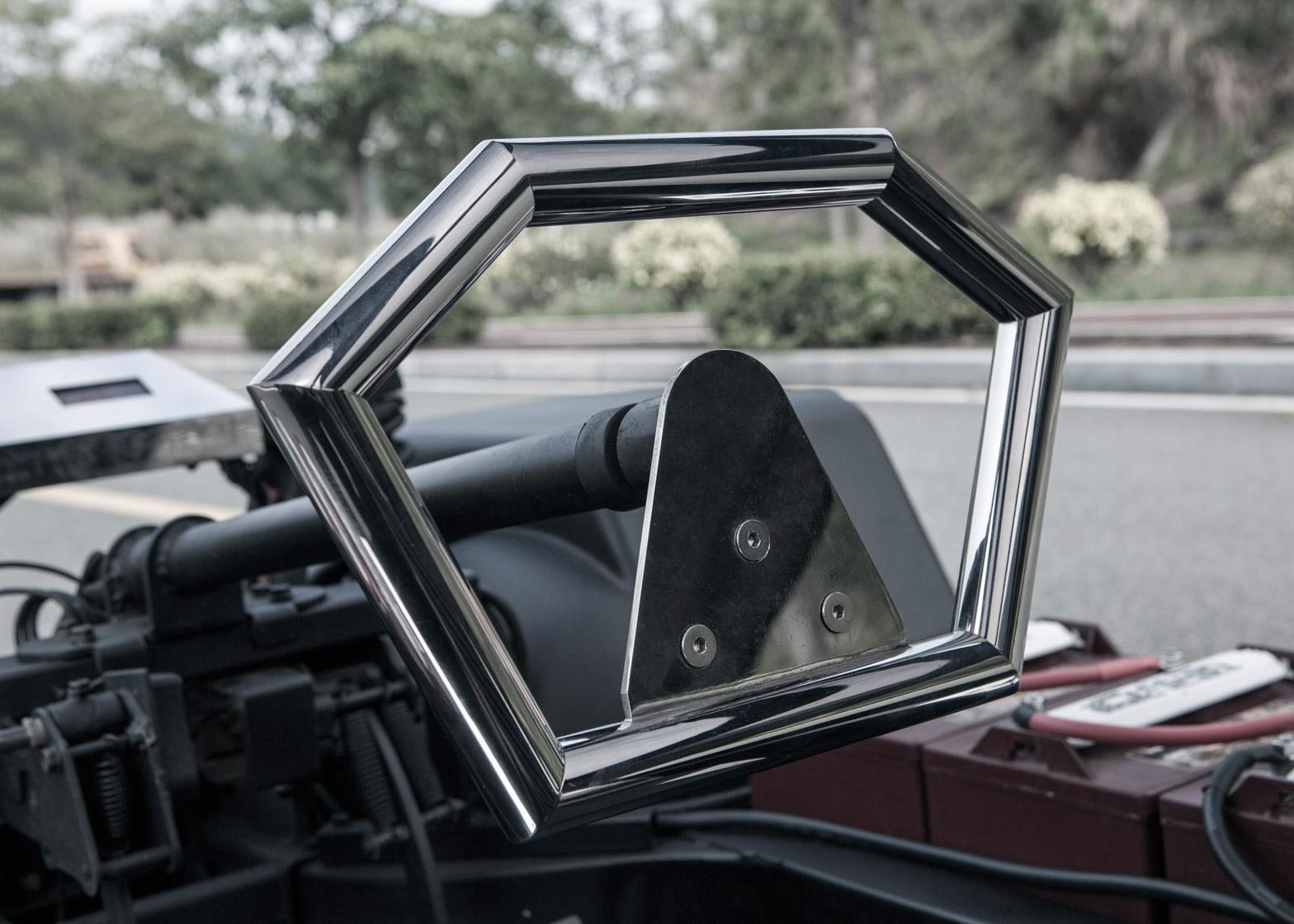 Lo-Res-car-concept_United-Nude_Lamborghini_dezeen_1568_5