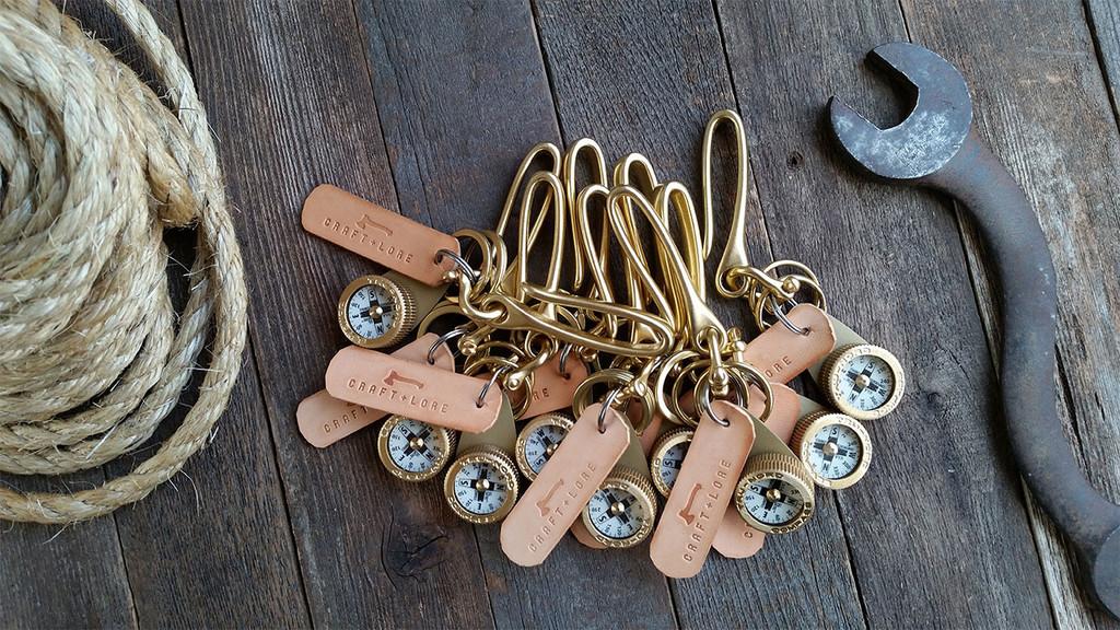 brass-compass-key-hook-everydaycarry-keychain-keyring-06_1024x1024