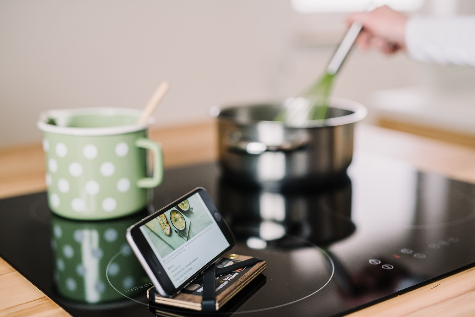 Hudwood_Xena_cooking