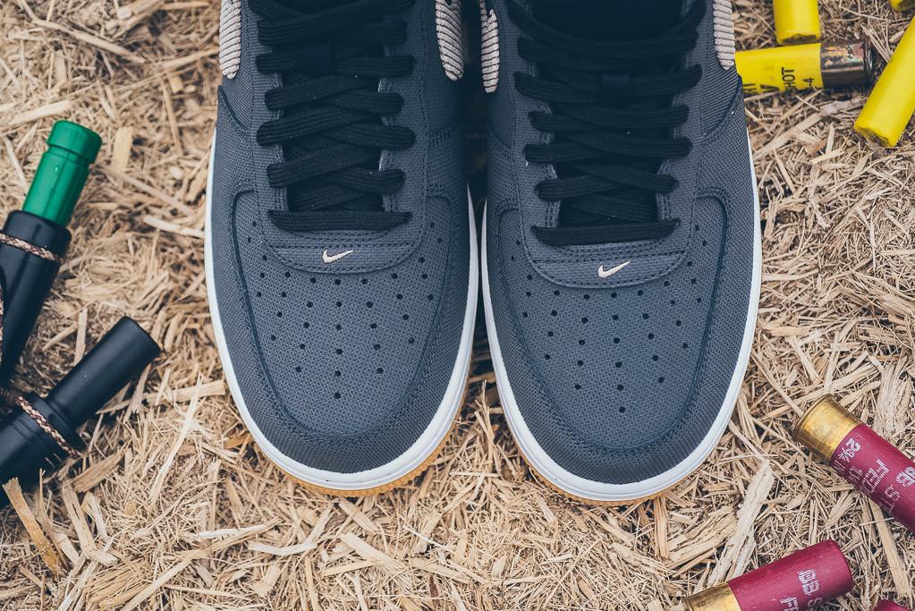 Nike_Sportswear_DUNK_CMFT_Air_Force_1_CMFT_Sporting_Club_Duck_Hunt_Sneaker_Politics_Hypebeast_15