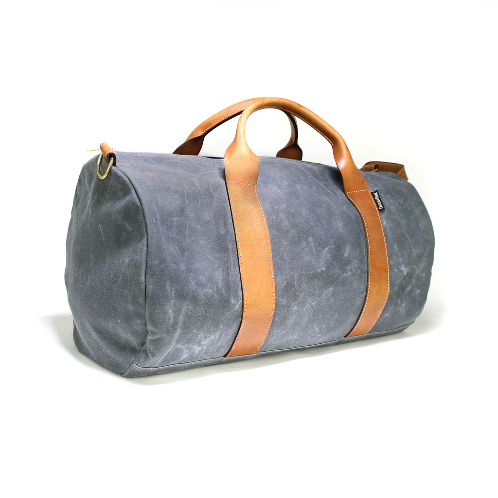angled_view_waxed_weekender_1024x1024