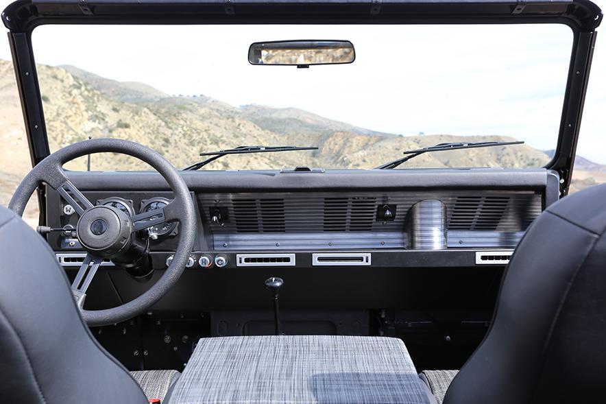 ICON_Land_Rover_D90_Reformer_Dash