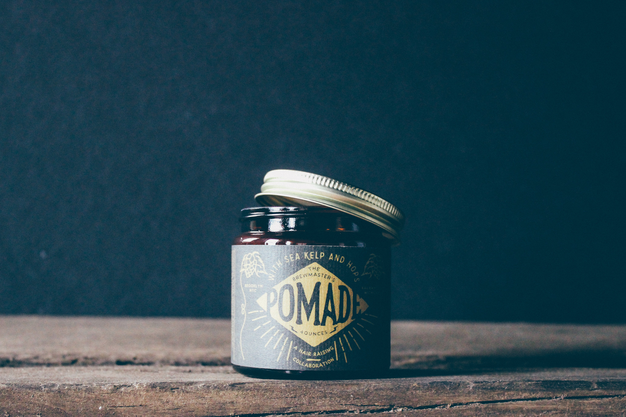 damn_handsome_grooming_co_odouds_pomade-9