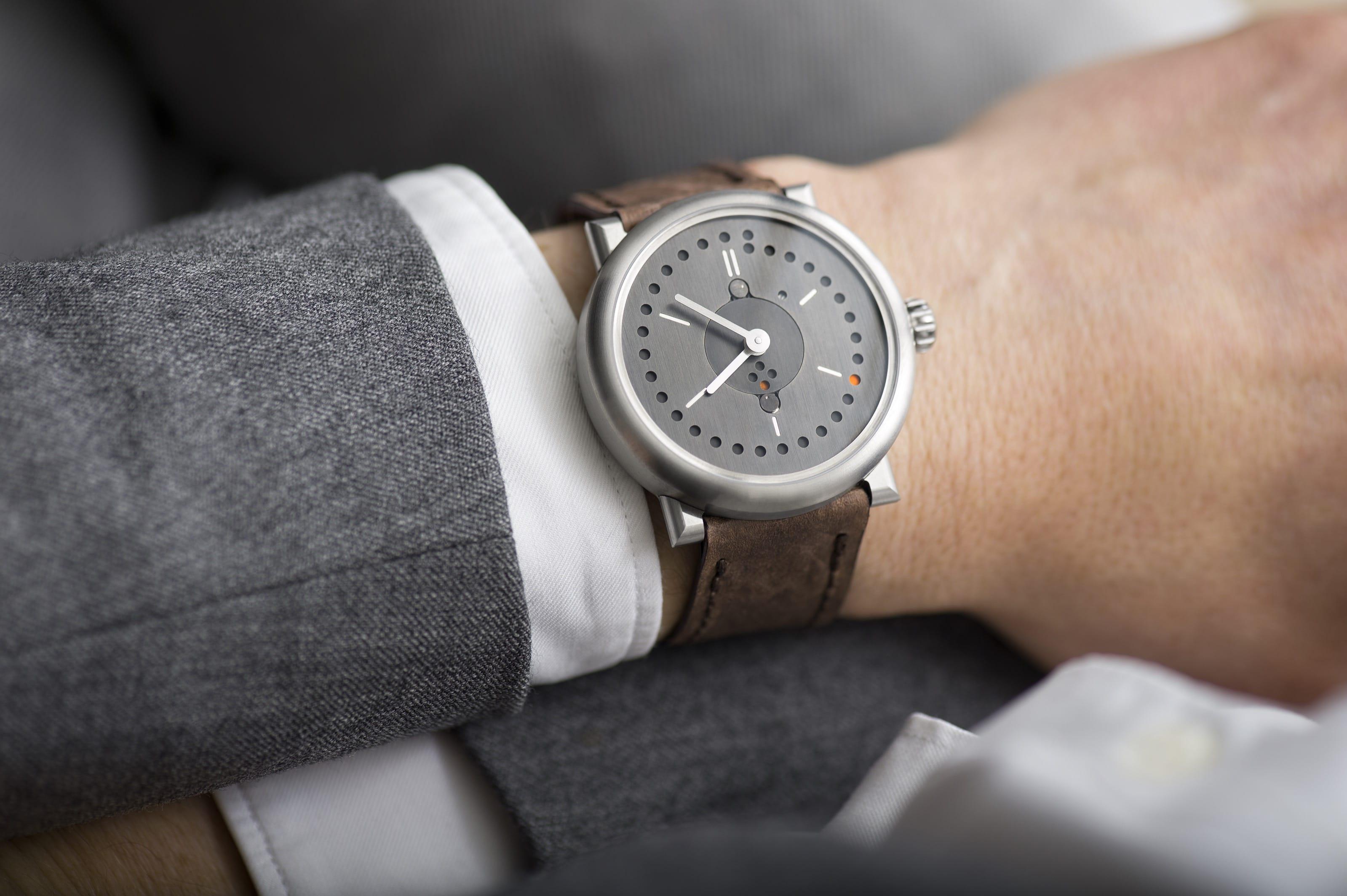 perpetual-calendar-watch-reference-wristshot-ochs-und-junior-07-04-2016-1b_RGB-3198px