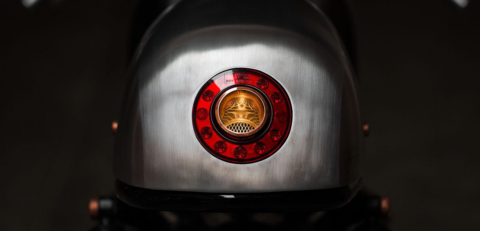 UYC_largeimage_lightbox_Exhaust_01