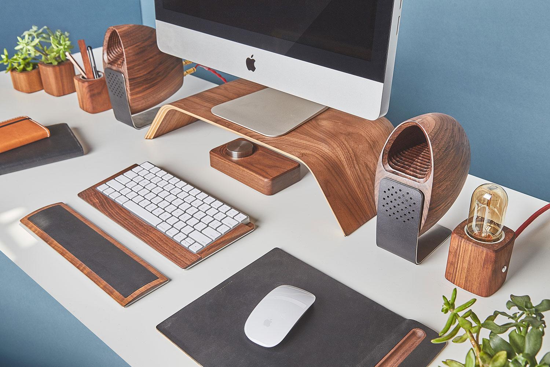walnut-speaker-fullwidth-1