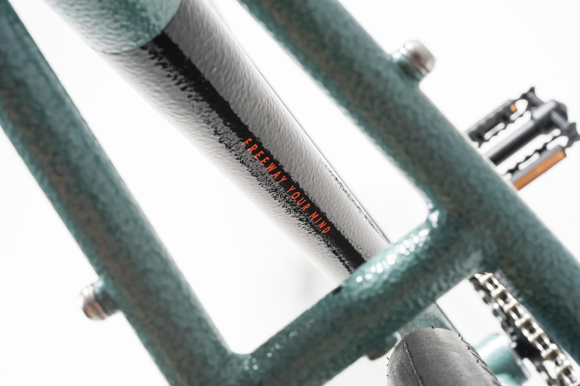 08_fw16_bike_details