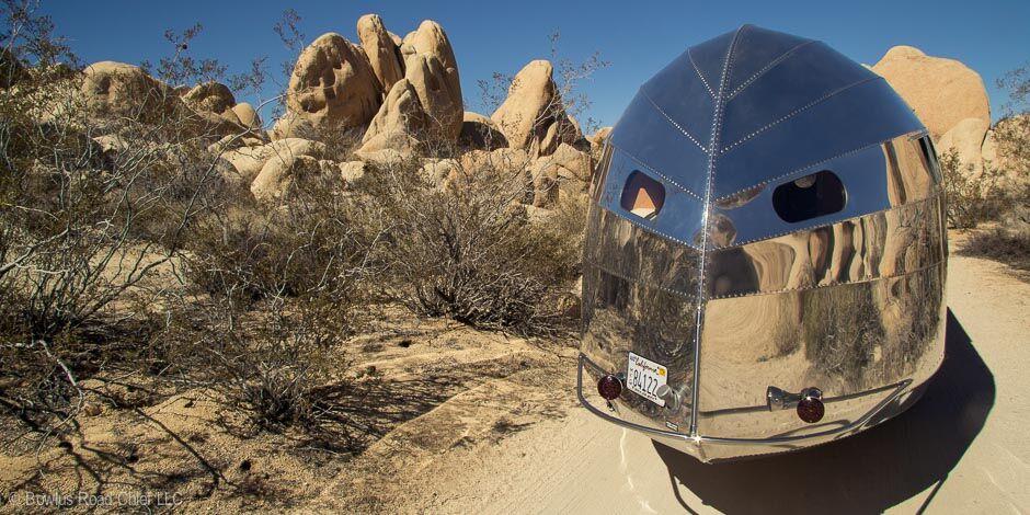 travel-trailer-in-desert