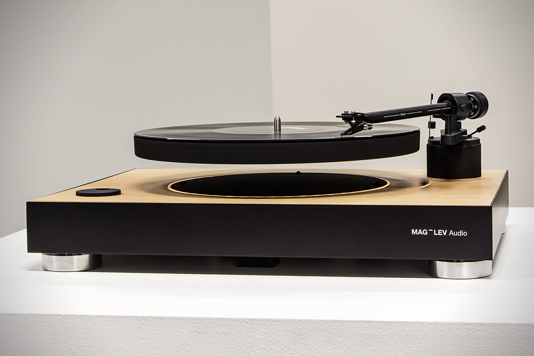 mag-lev-audio-levitating-turntable-5