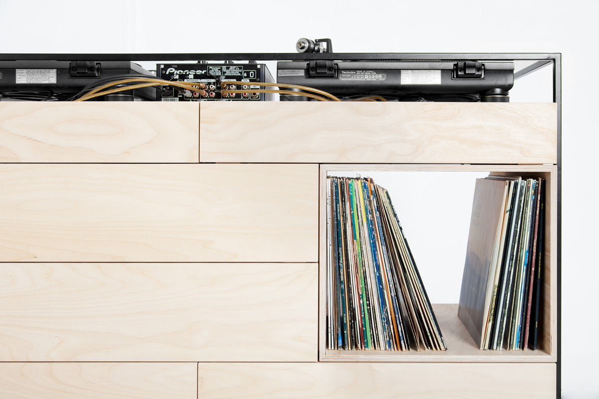studio-rik-ten-velden-image-06-selectors-cabinet-credit-bjorn-nardten