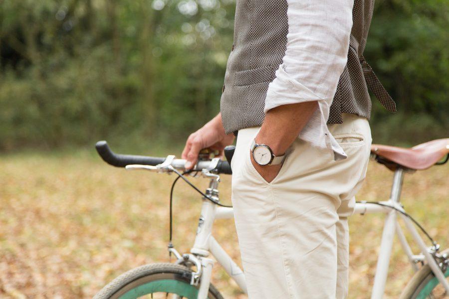 fall-leaves-standing-bike