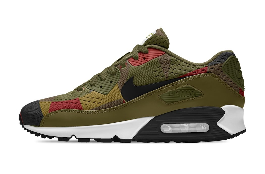newest 61b96 70ad0 Nike Air Max 90 EM iD Sneakers