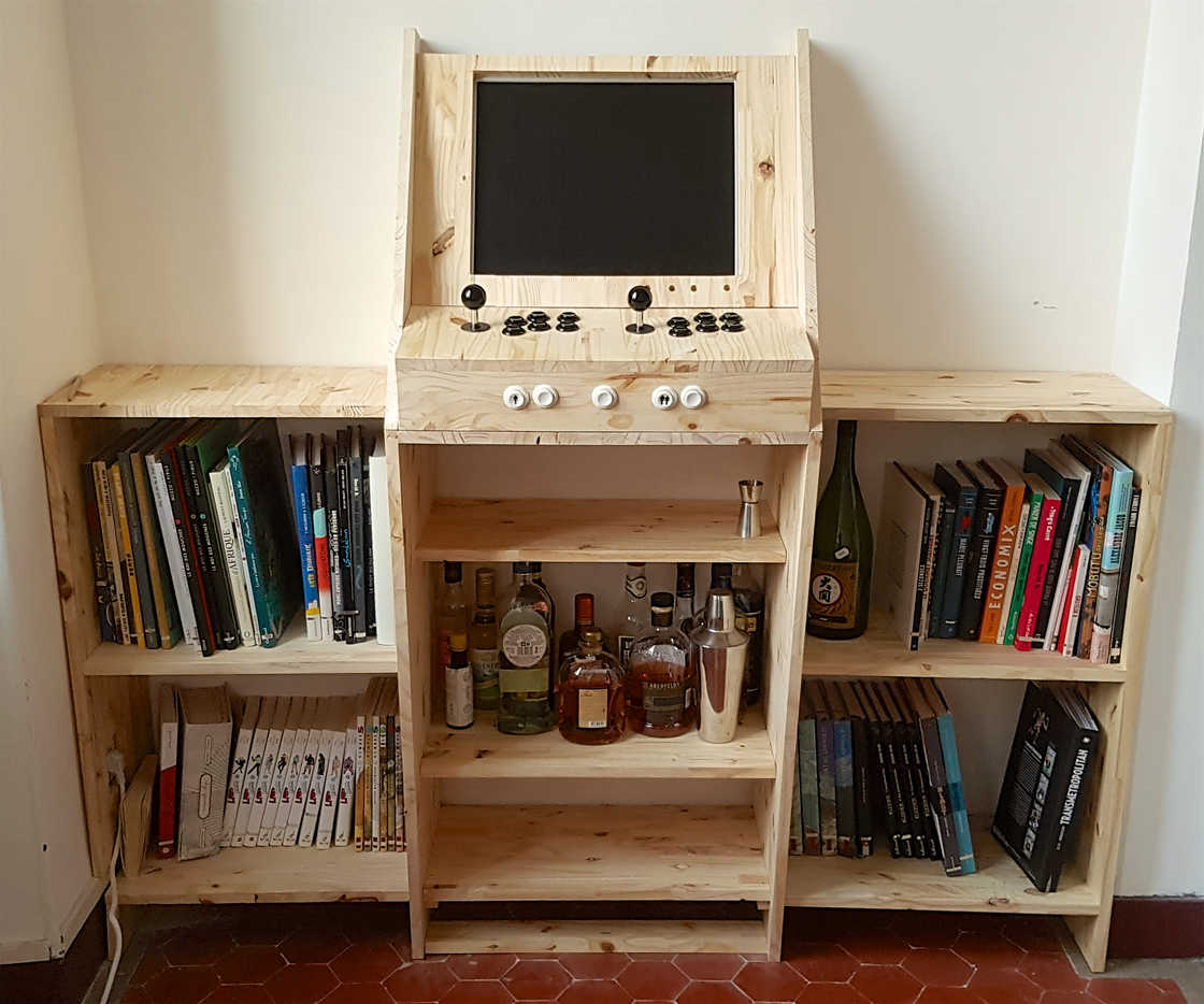 Retrogaming Arcade Cabinet | The Coolector