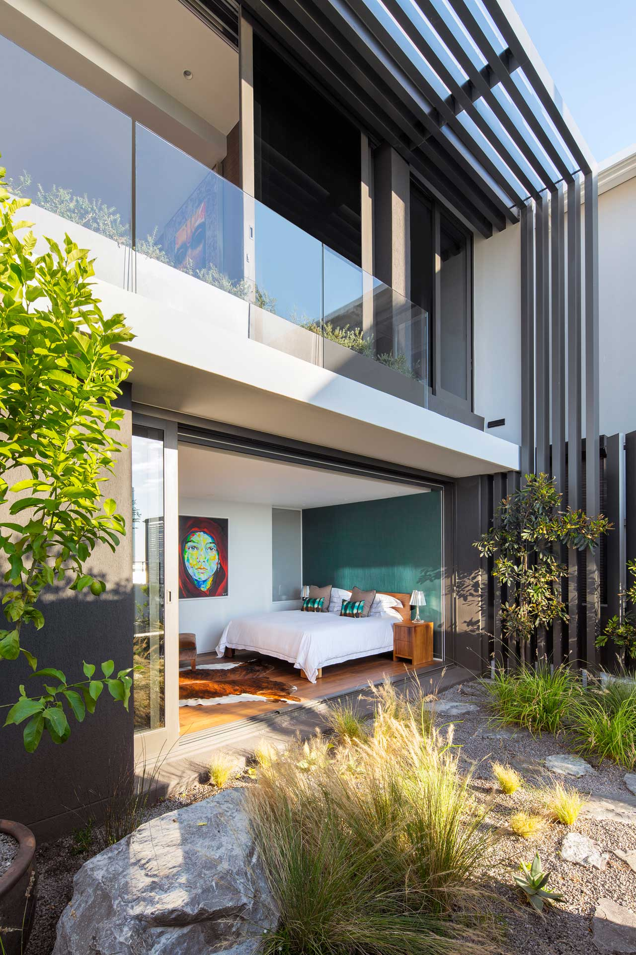 House sealion the coolector a superb example of the design skills of the team at greg wright architects and a first class property in its own right this cape town dwelling really does malvernweather Images