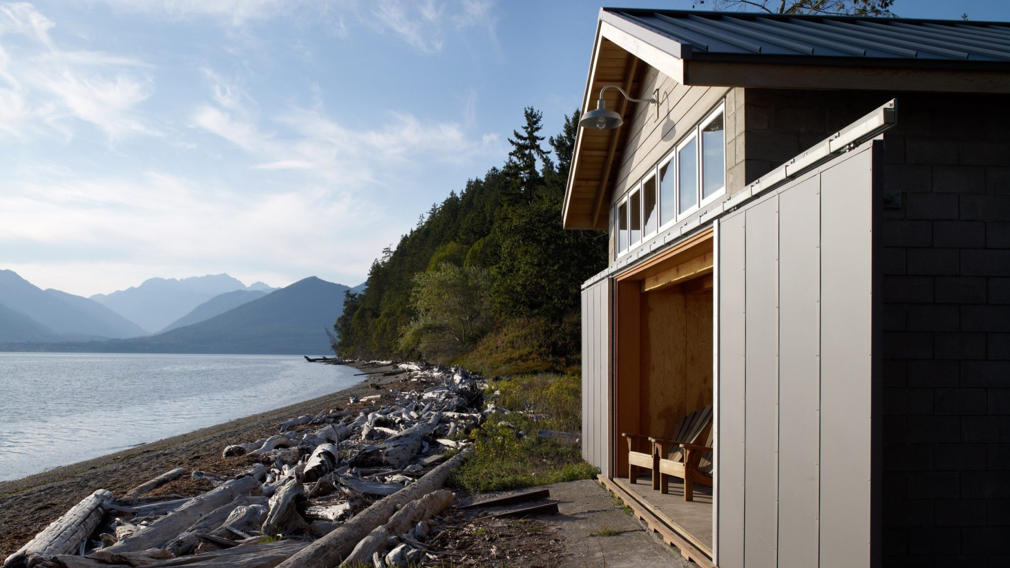 Hood canal boat house the coolector for Minimalist house boat