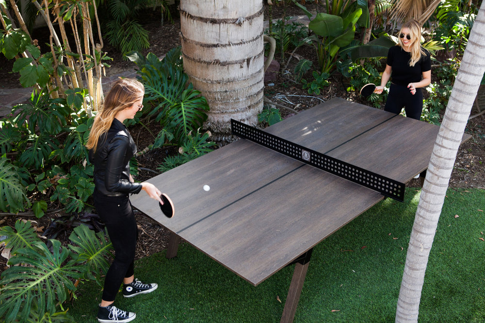 woolsey outdoor ping pong table the coolector. Black Bedroom Furniture Sets. Home Design Ideas