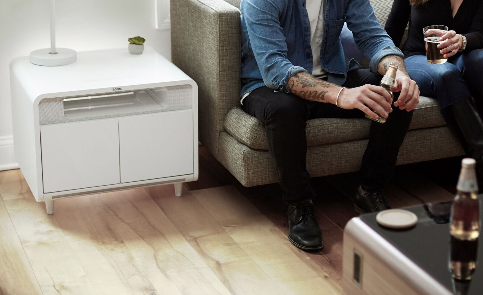 Sobro Smart Side Table | The Coolector