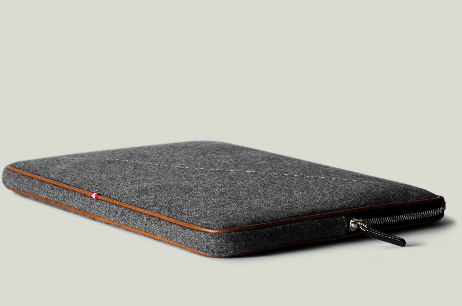 Hard Graft Zip Up Folio Case | The Coolector
