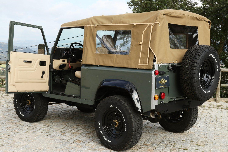 Legacy Overland Land Rover Defender 90 Soft Top