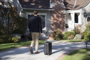 ForwardX Ovis AI Powered Follow Suitcase
