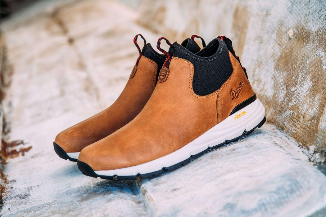 43a9a18e49c Danner Mountain 600 Chelsea Boots | The Coolector