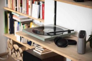 Tone Factory Minimalist Turntable