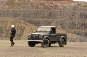 Commonwealth Classics Georgetown Land Rover Defender 110