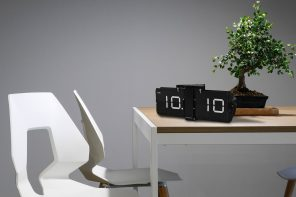Cloudnola Flipping Out Flip Clocks